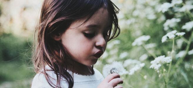 Kind Lenormand Kombinationen für Liebe und Beziehung